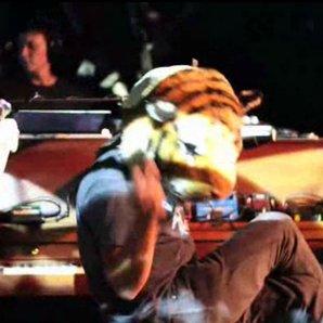 Pixies Andro Queen video