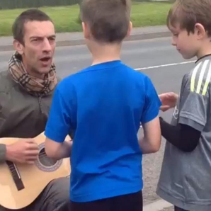Richard Ashcroft Sings To Kids Instagram Video