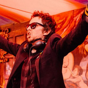Super Hans DJ Picture Reading & Leeds Website