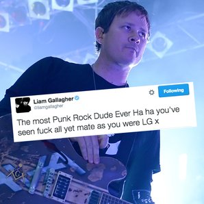 Tom DeLonge and Liam Gallagher tweet