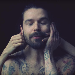Simon Neil of Biffy Clyro in Re-arrange video