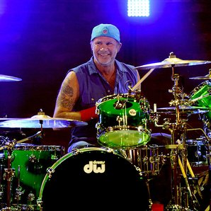 Chad Smith drumming 2016 Red Hot Chili Peppers