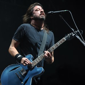 Dave Grohl Foo Fighters live 2011