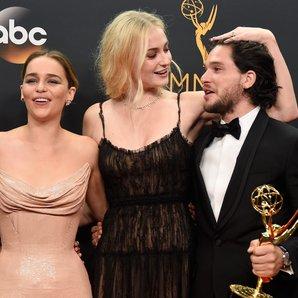 Game Of Thrones Amelia Clarke Sophie Turner and Ki